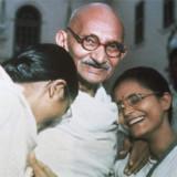 Эволюционная психология может объяснить, почему лидеры-миротворцы мужского пола, подобные Махатме Ганди, представляют собой скорее исключение, чем правило.